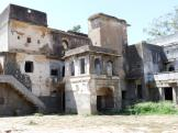 Nice old building at Jahalwar Garh - India.
